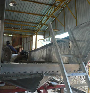 Thailand Boat Builder Building Aluminum Landing Craft And